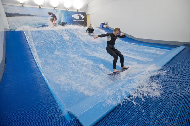 V pražských Letňanech vyrostla aréna pro milovníky surfingu