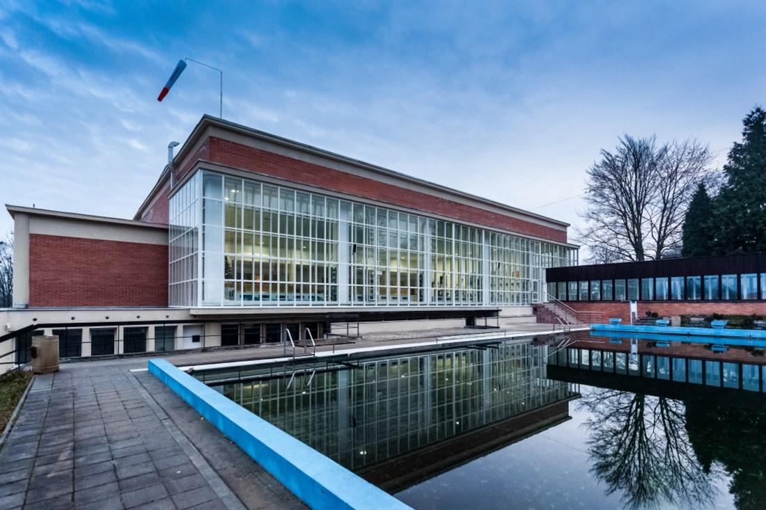 Celková rekonstrukce budovy 25 m bazénu ve Zlíně – I. etapa Rekonstrukce obvodového pláště a střech
