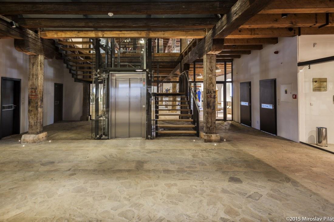 Dokončovací stavební práce na objektu Velkého dělostřeleckého skladu Korunní pevnůstky v Olomouci