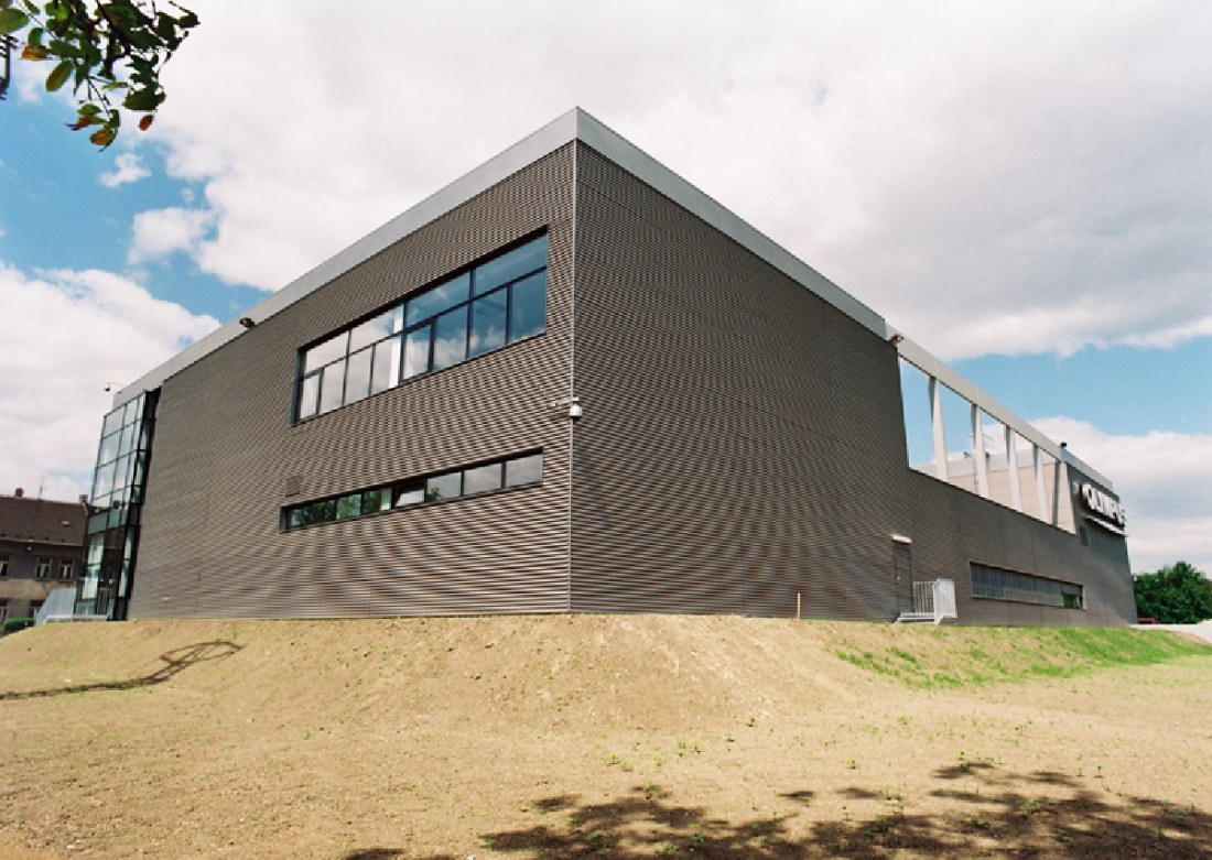 New sevice center building in Prerov for OCS Leasing spol. s r.o.