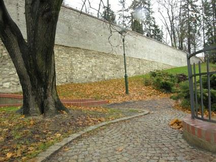 Oprava opěrné zdi v zahradě Kinských pro Hlavní město Praha